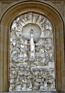Venida de la Virgen pablo serrano.jpg