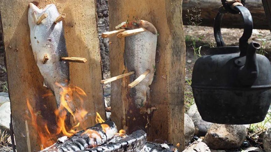 Truchas al tablón. Receta tradicional vikinga